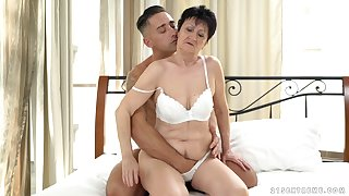Short haired mature amateur MILF Anastasia gets cum all over her mouth