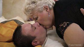 التقبيل